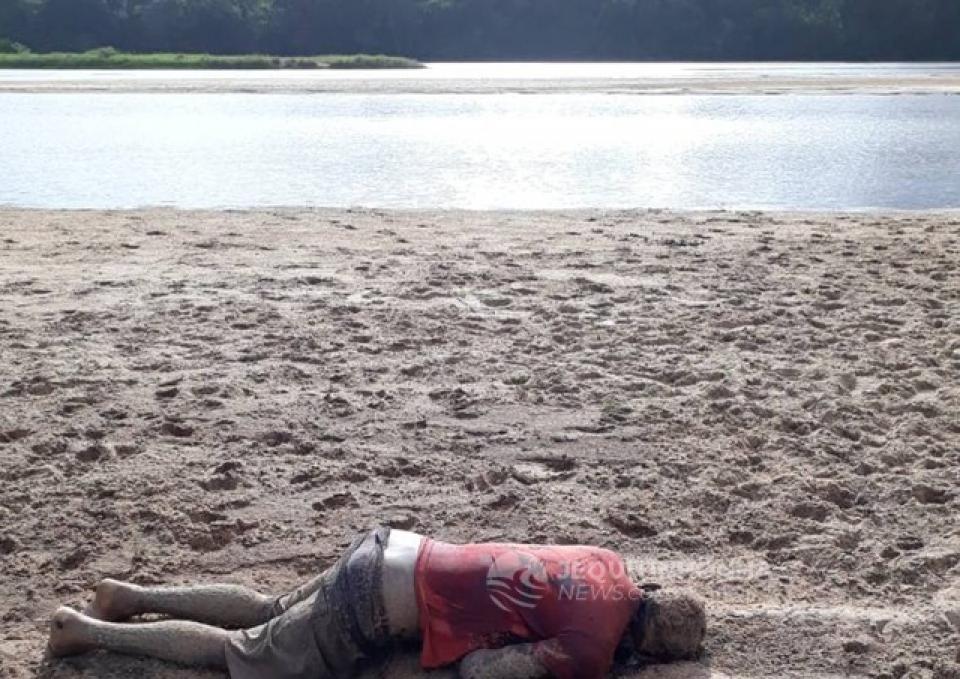 Cadáver em decomposiçã é encontrado as margem do Rio Jequitinhonha