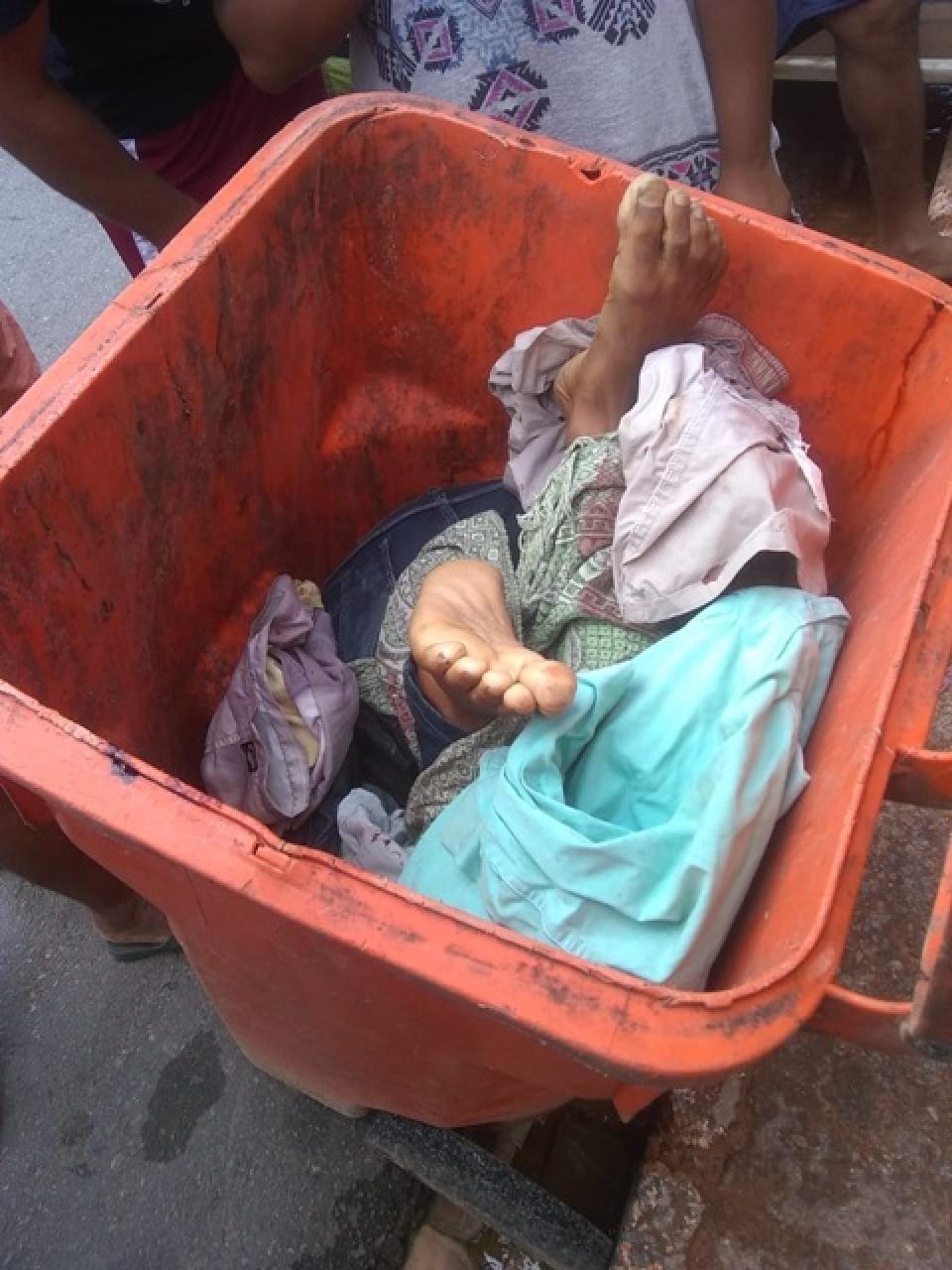 Corpo é encontrado dentro de lixeira na Bahia