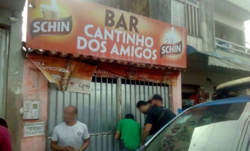 Homem mata esposa a marretadas e corpo fica 9 dias enterrado em fundo de bar na Bahia