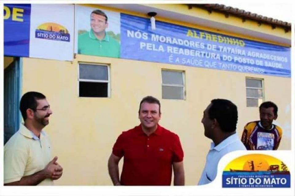 Prefeito de Sítio do Mato é condenado à perda do cargo por autopromoção em órgãos municipais