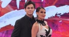 Lucas Veloso pede dançarina do Faustão em namoro ao vivo