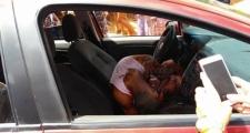 Homem é morto com vários tiros dentro de carro em Eunápolis