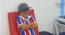 Elísio Medrado: Fenômeno da Internet, Jotinha faz reclamação ao Bahia e pede cerveja mais barata