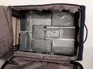 Mulher é presa tentando embarcar com 8 kg de cocaína no aeroporto de Salvador; droga seria levada para a Espanha
