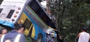 Tragédia: Acidente com ônibus de sacoleiros deixa três mortos e vários feridos na Bahia