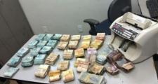 Suspeito de assalto a carro-forte morre em confronto; R$ 177 mil são recuperados