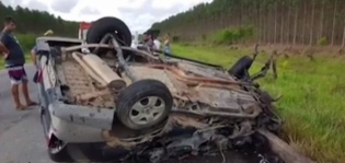 Filho de ex-vereadora de Itamaraju morre em batida entre carro e caminhão na BR-101