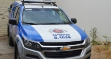 Pai é preso na BA por morder e jogar filha de 2 meses no chão após ficar irritado com choro de madrugada